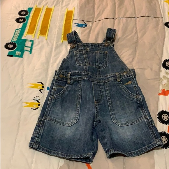 OshKosh B'gosh Other - Oshkosh Denim Short Overalls